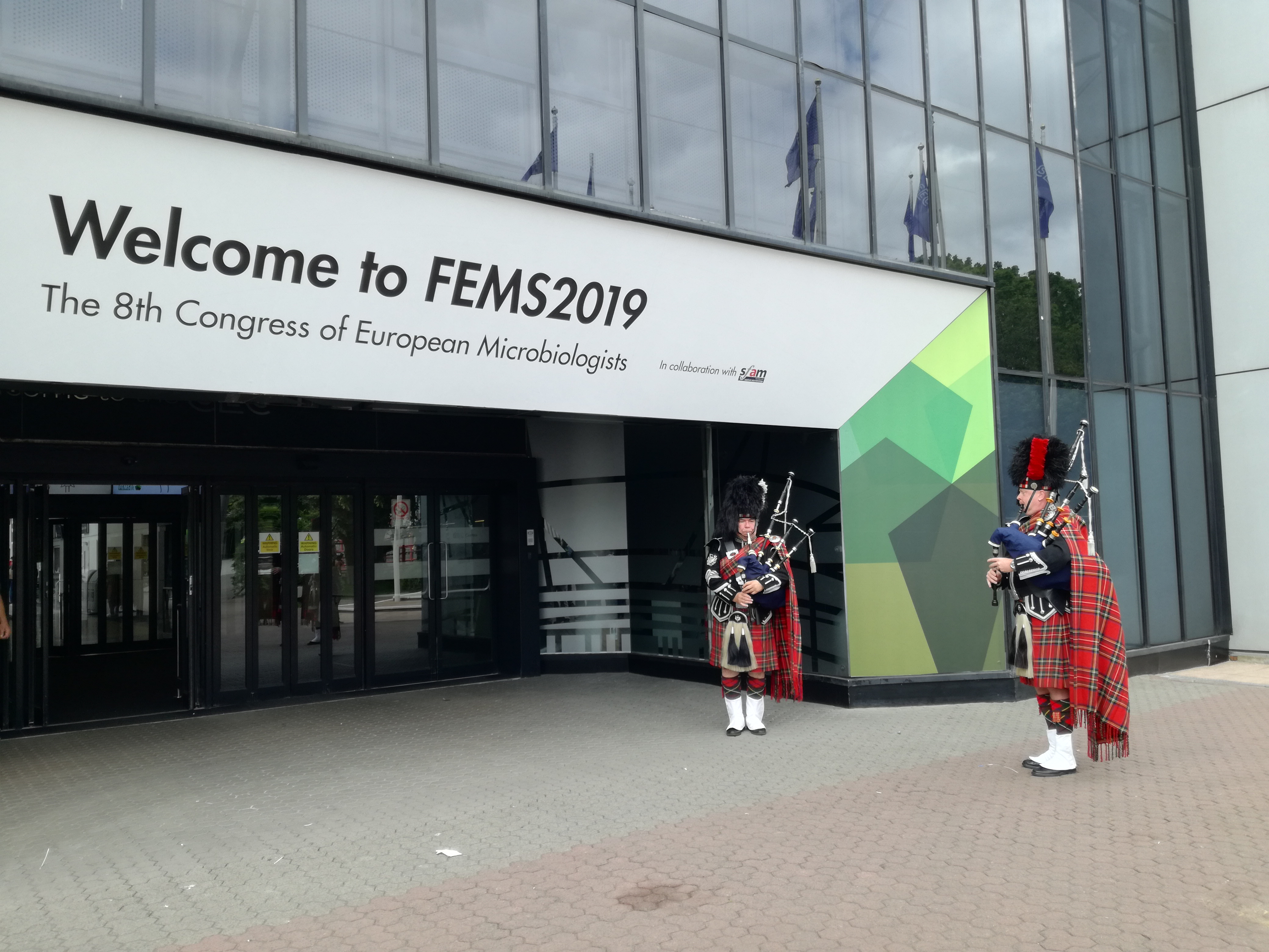 MicrobiomeSupport at FEMS 2019